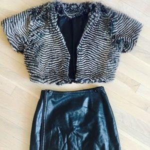 Tops - Faux fur short sleeve